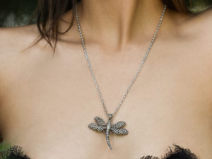 DIAMOND DRAGONFLY NECKLACE 2